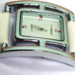 Forest Ladies Women New fashion Leather Belt Wrist Watch